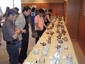 18人の陶芸作家による創作急須も多彩に展示