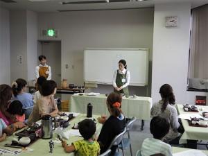 日本茶インストラクター・山本豊紀美さんによる「萬古急須で飲む、お茶講座」